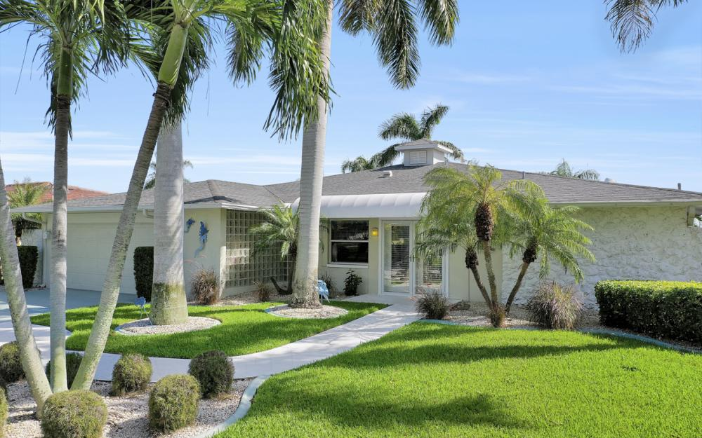 5921 SW 1st Ave, Cape Coral - Home For Sale 685905270