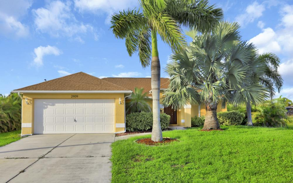 2909 SW 2nd Ln, Cape Coral - Vacation Rental 250499743