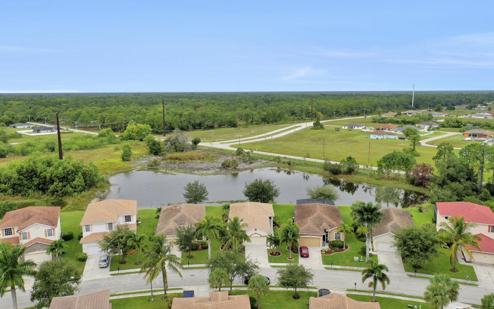 2706 Blue Cypress Lake Ct, Cape Coral - Home For Sale 1901499161