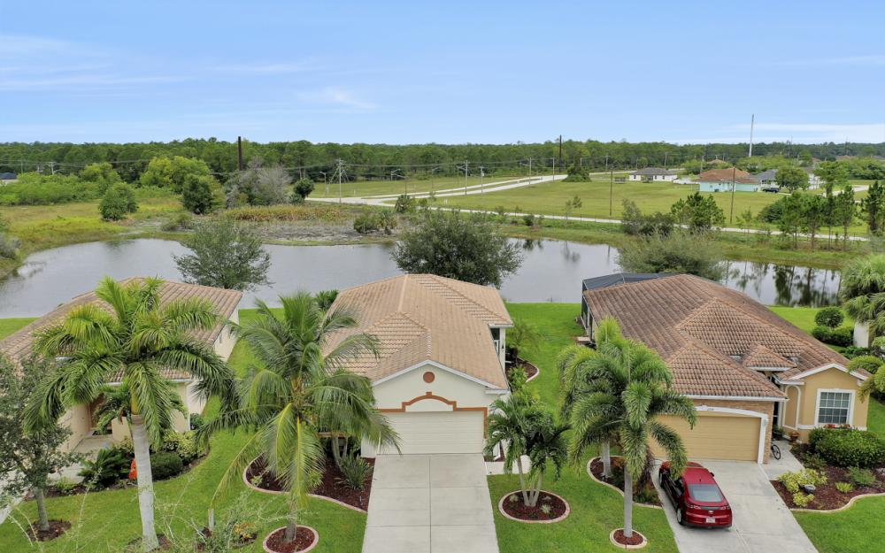 2706 Blue Cypress Lake Ct, Cape Coral - Home For Sale 2002844070