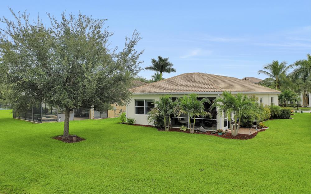 2706 Blue Cypress Lake Ct, Cape Coral - Home For Sale 1994871386