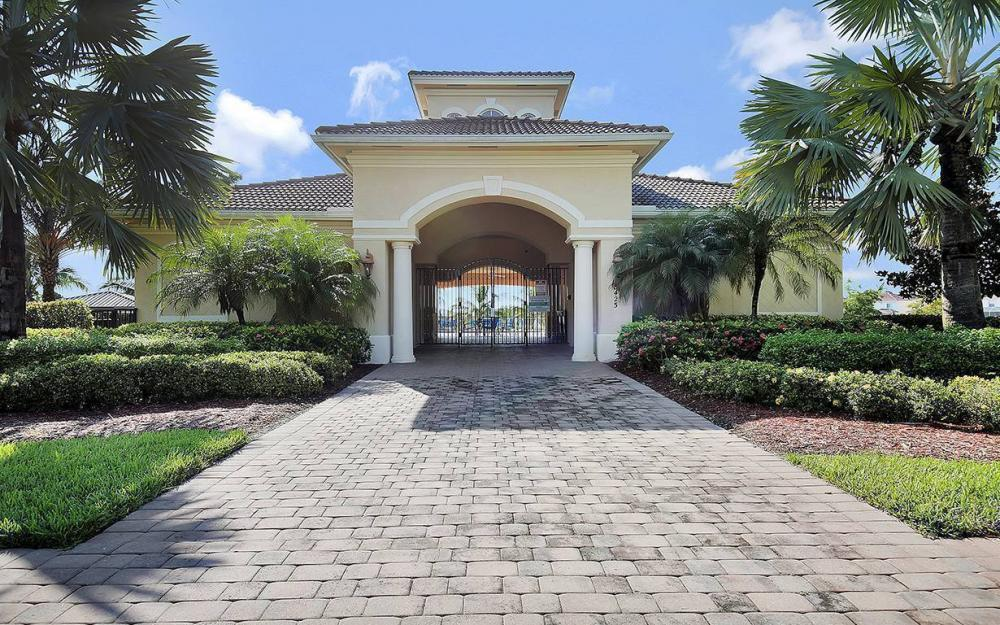 8278 Sumner Ave, Fort Myers - House For Sale 716953337