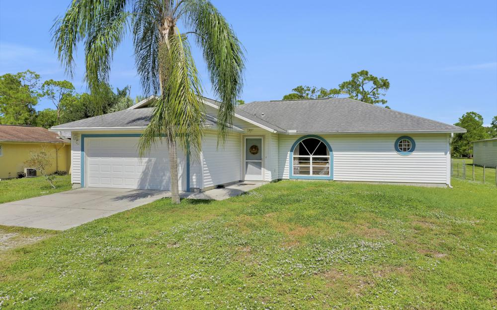 6187 Green Blvd Naples - Home For Sale 268138645