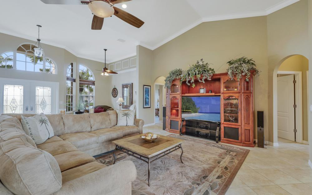 4701 Sands Blvd, Cape Coral - Home For Sale 990404024