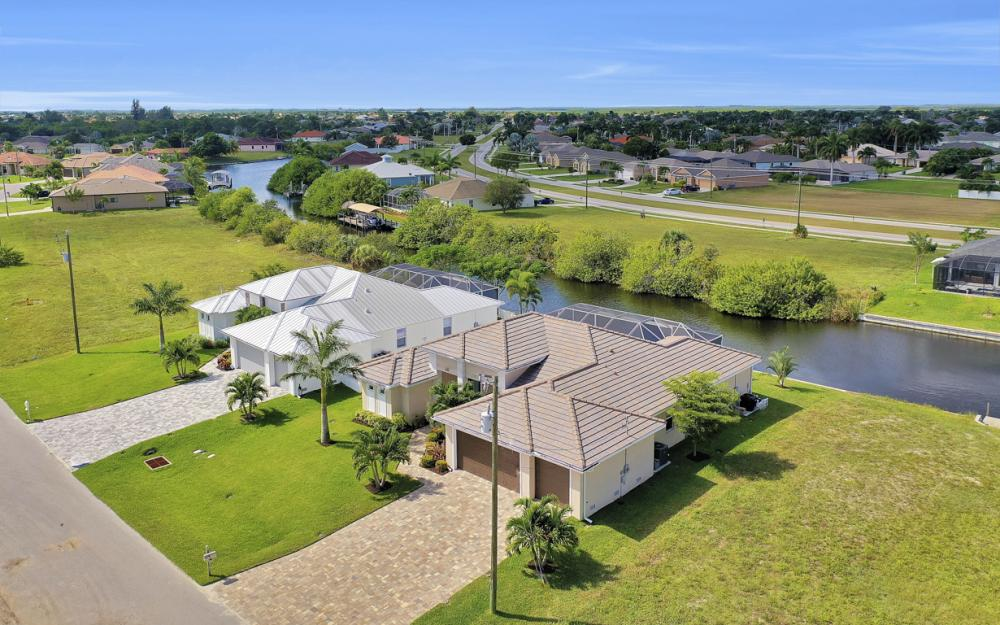 2608 SW 24th Ave, Cape Coral - Home For Sale 1977436534