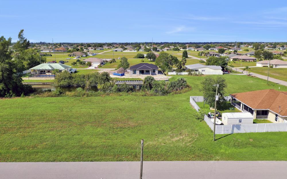 1024 NE 1st PL, Cape Coral - Lot For Sale 895335676