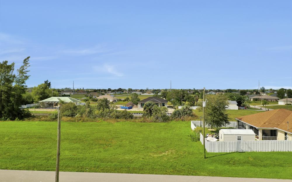 1024 NE 1st PL, Cape Coral - Lot For Sale 445348463