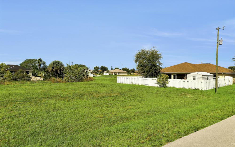1024 NE 1st PL, Cape Coral - Lot For Sale 69740410