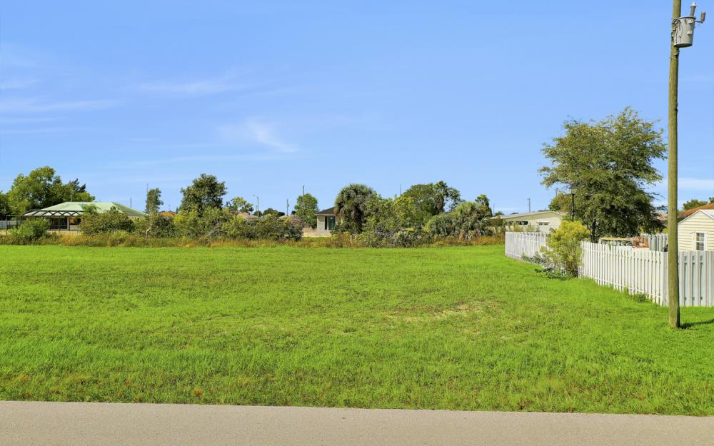 1024 NE 1st PL, Cape Coral - Lot For Sale 1151083391