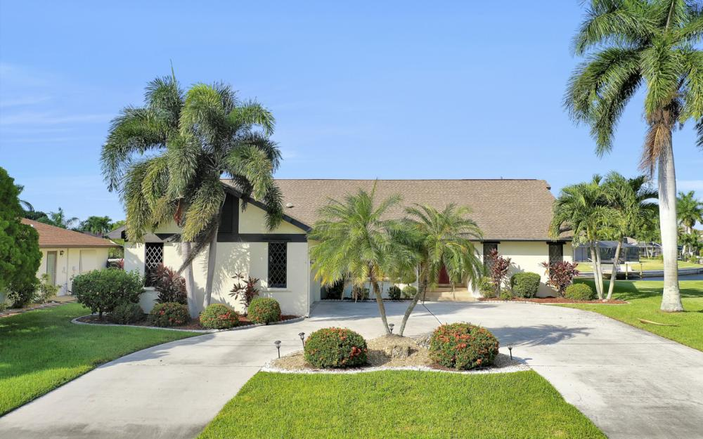 1405 SW 50th St Cape Coral - Home For Sale 460631320