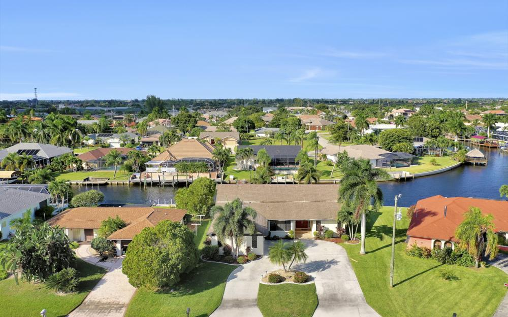 1405 SW 50th St Cape Coral - Home For Sale 1987819511