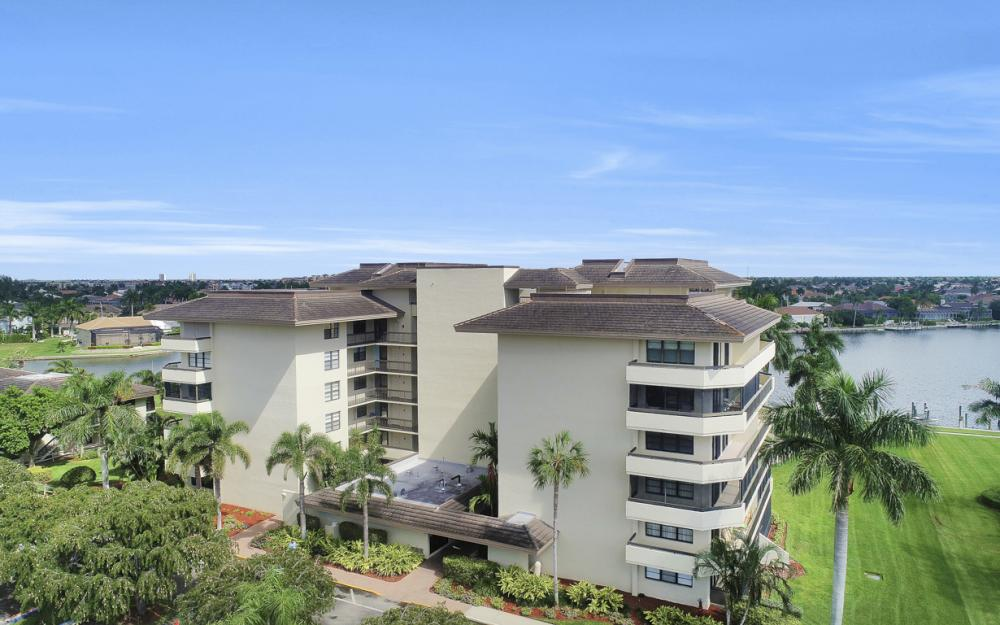 591 Seaview Ct  #A-612, Marco Island - Condo For Sale 890711415