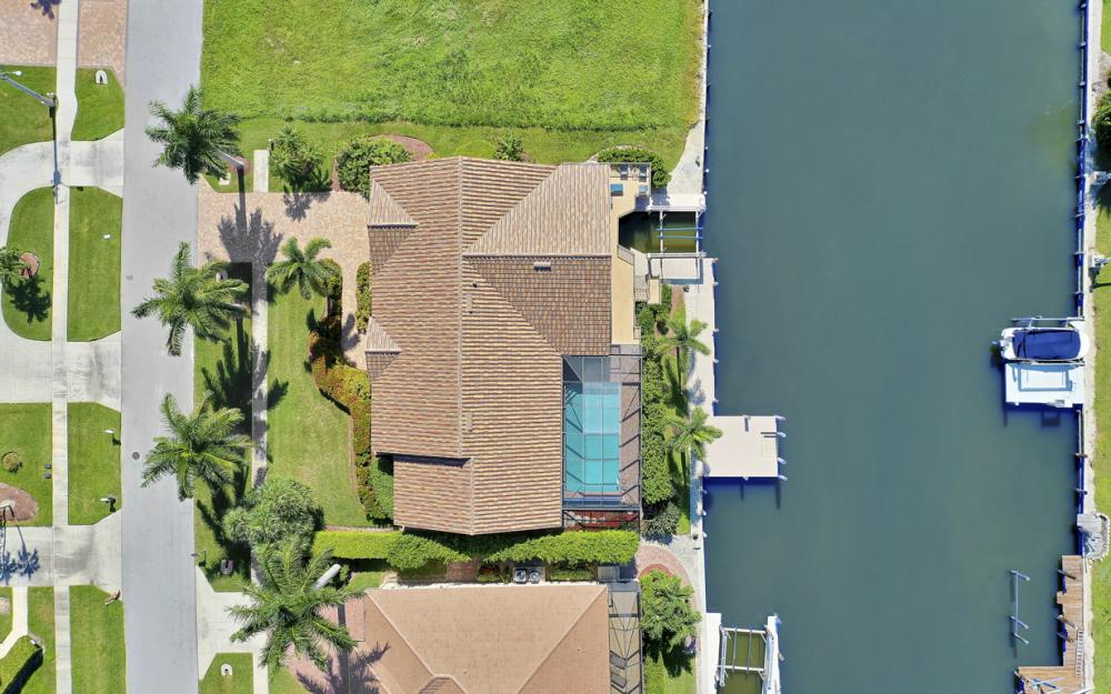 212 Windbrook Ct, Marco Island - Home For Sale 690044184