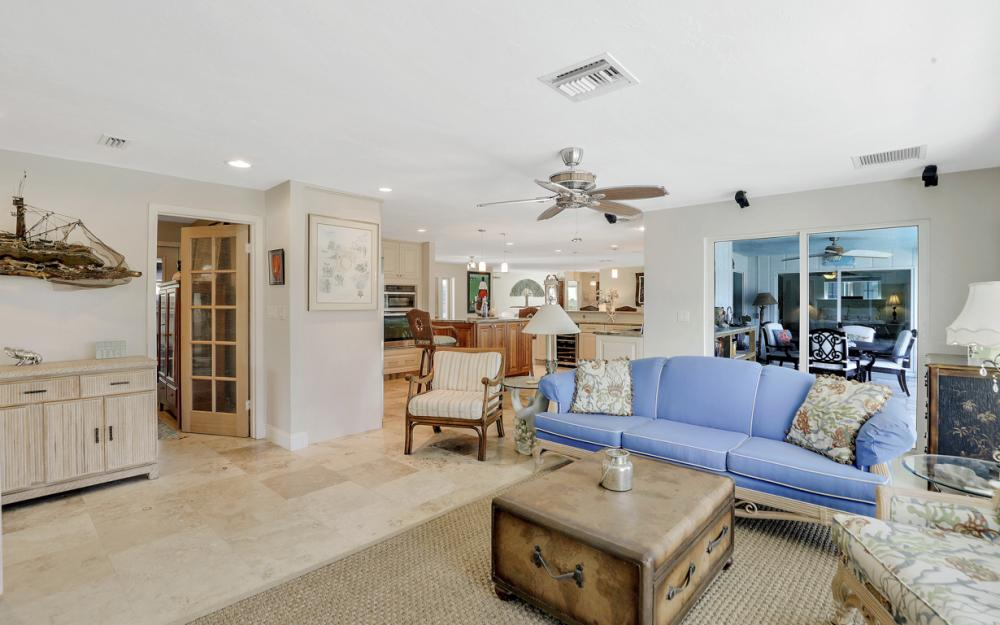 1784 Wavecrest Ct, Marco Island - Home For Sale 2107672286