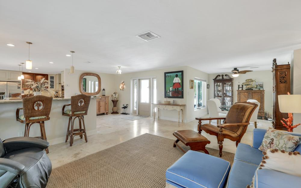 1784 Wavecrest Ct, Marco Island - Home For Sale 700508983