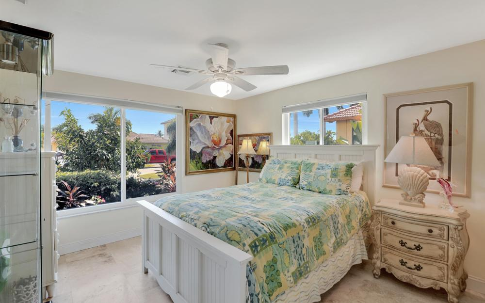 1784 Wavecrest Ct, Marco Island - Home For Sale 1030145725