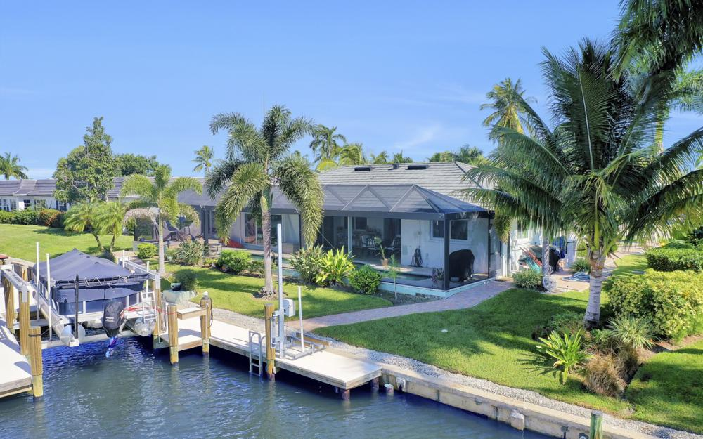 1784 Wavecrest Ct, Marco Island - Home For Sale 572264398