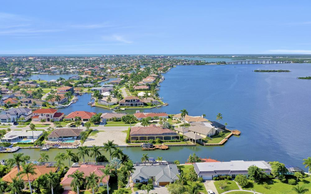 1784 Wavecrest Ct, Marco Island - Home For Sale 300957908