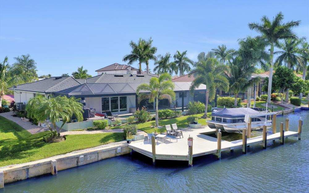1784 Wavecrest Ct, Marco Island - Home For Sale 880818820