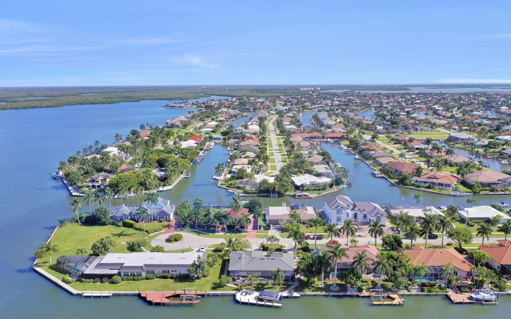 1784 Wavecrest Ct, Marco Island - Home For Sale 639662430