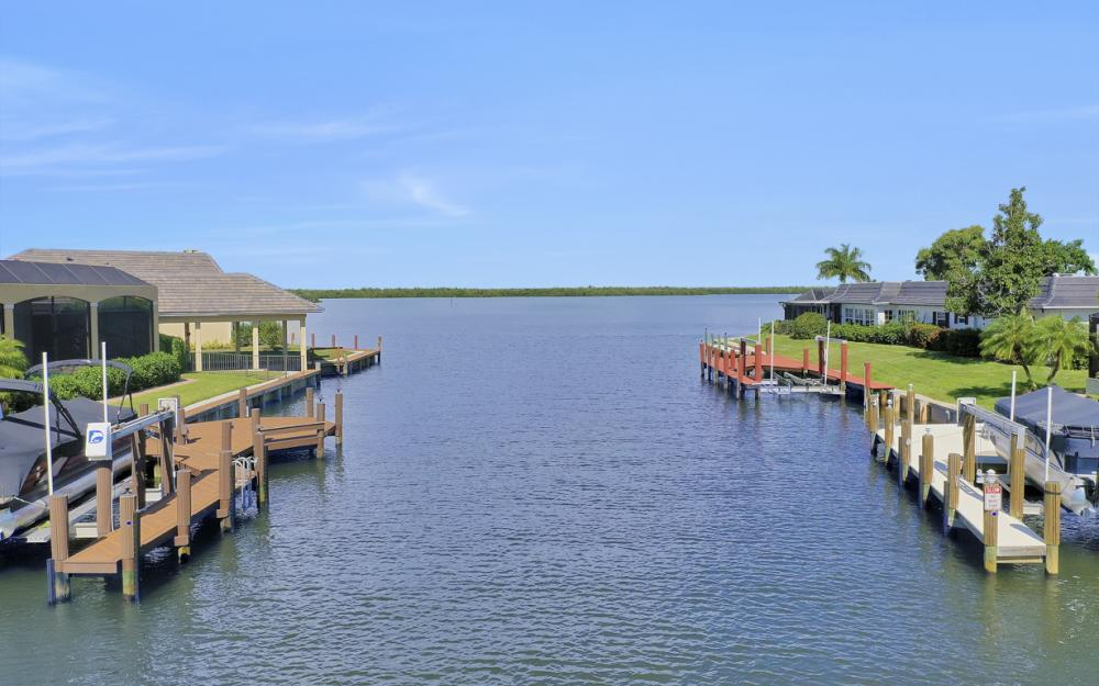 1784 Wavecrest Ct, Marco Island - Home For Sale 216369803
