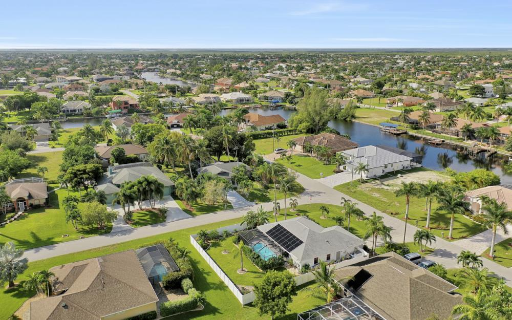 4625 SW 22nd Pl, Cape Coral - Home For Sale 913883937