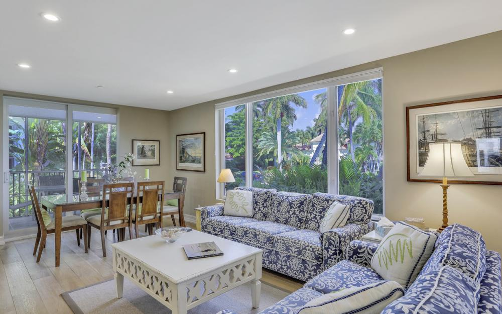 180 6th Ave S, Naples - Luxury Vacation Rental 1010770956