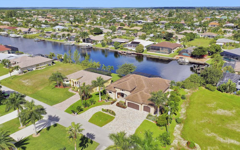 2509 SW 38th St, Cape Coral - Home For Sale 209474453