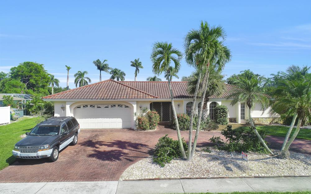 251 Shadowridge Ct, Marco Island - Home For Sale 1772300115