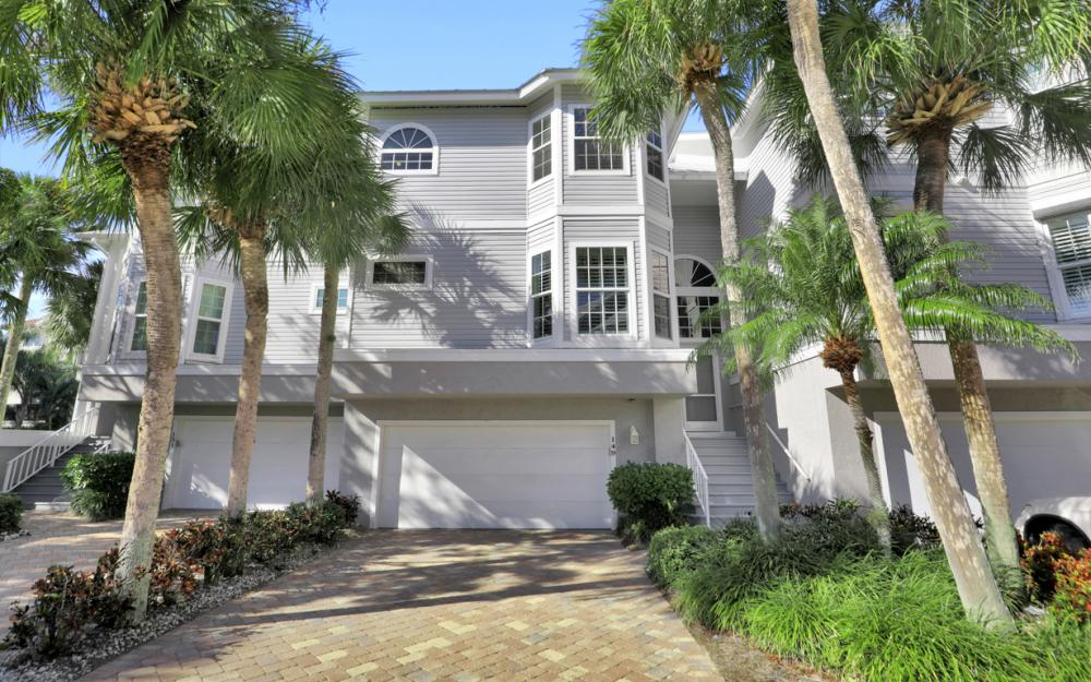 149 Barefoot Cir, Bonita Springs - Home For Sale 416775481