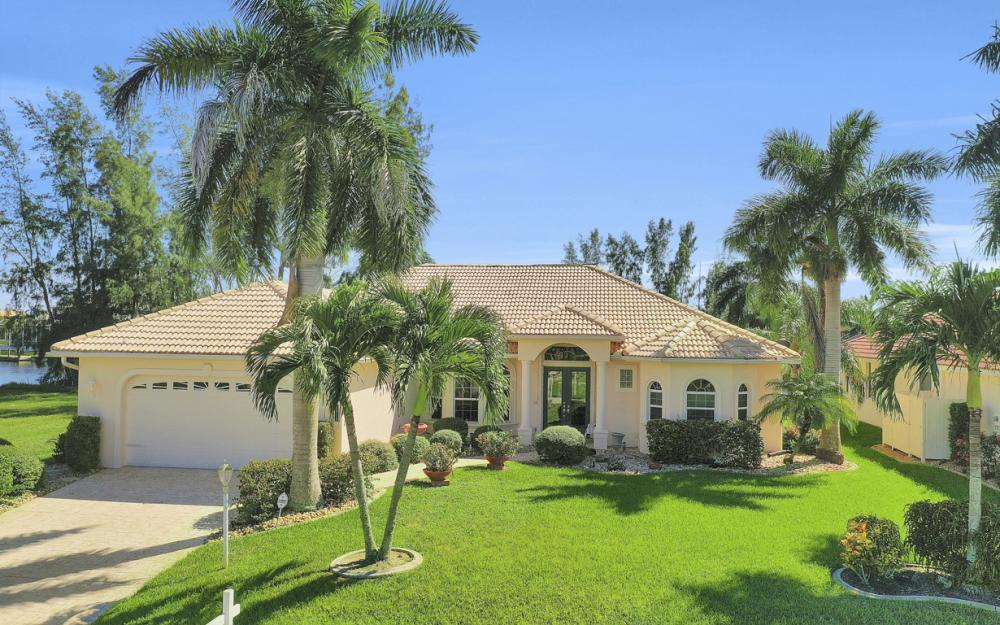 2918 SW 30th St, Cape Coral - Home For Sale 340674298