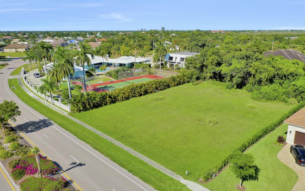 571 S Barfield Dr, Marco Island - Lot For Sale 969880204