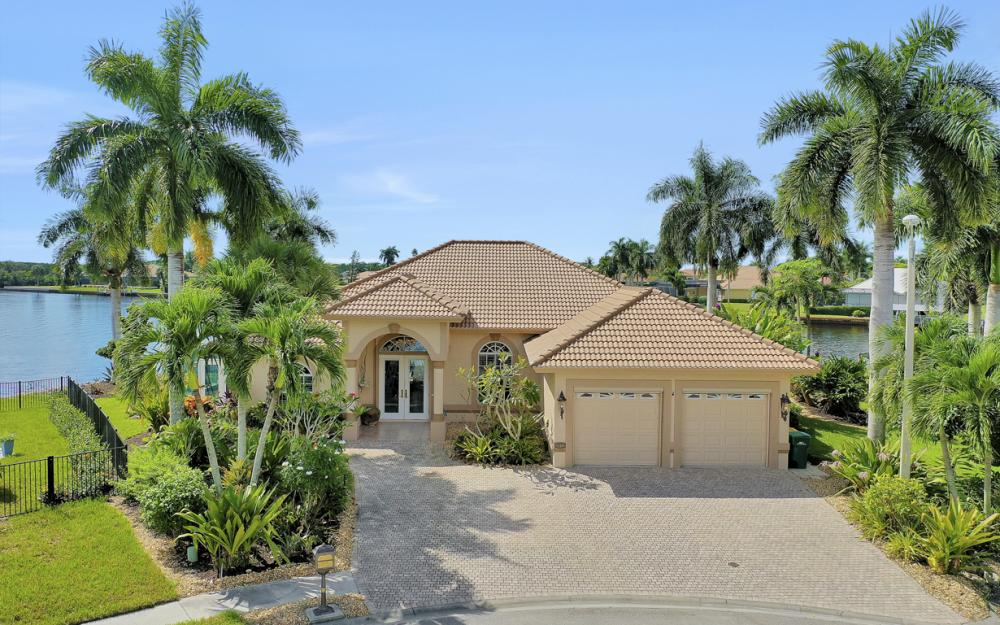 134 Windward Cay, Naples - Home For Sale 1498413102