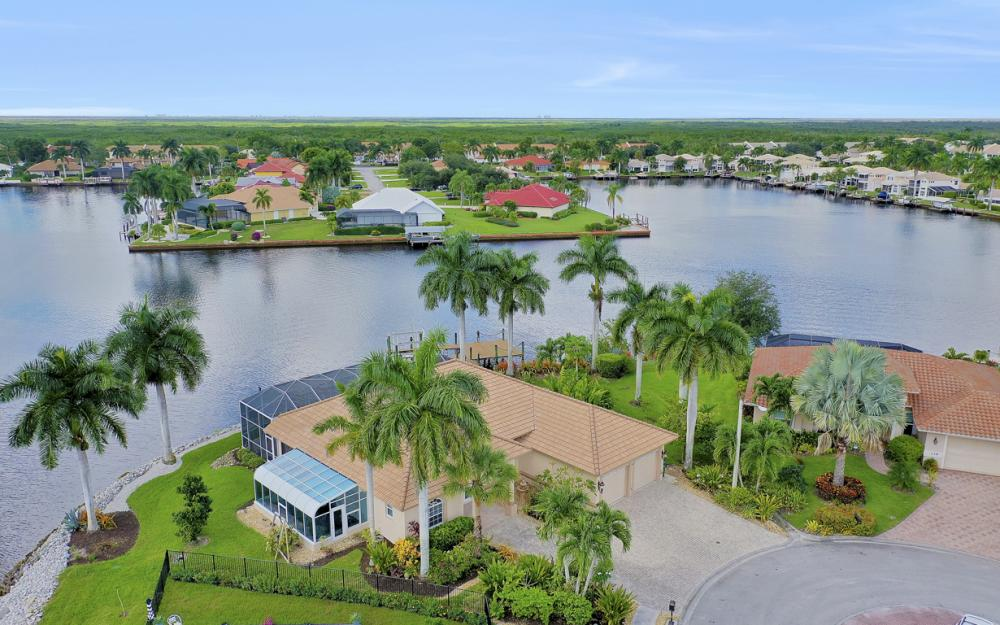 134 Windward Cay, Naples - Home For Sale 417812308