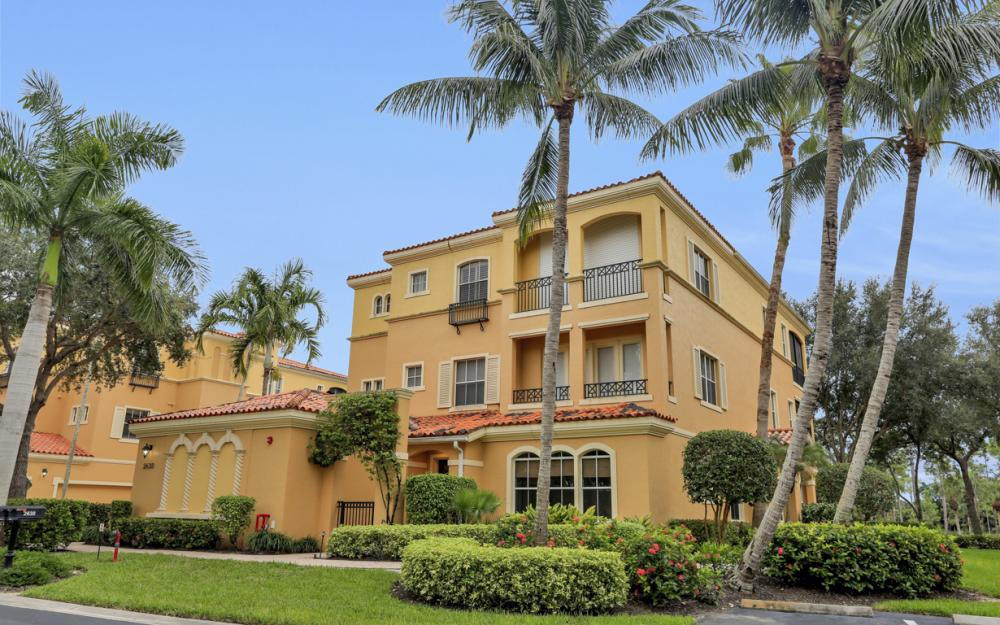 2638 Bolero DR Unit 4-3, Naples - Condo For Sale 509092502