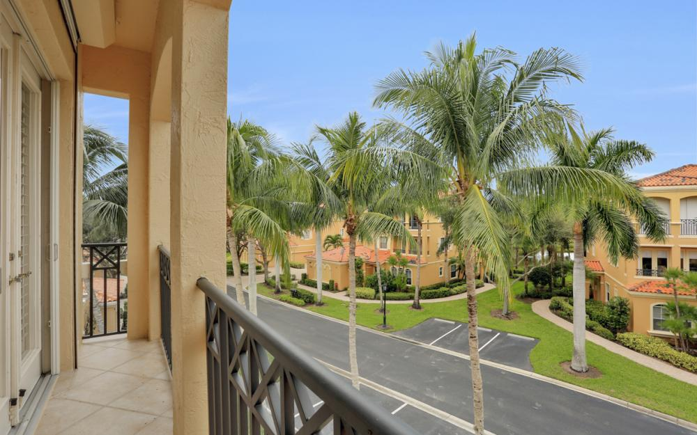 2638 Bolero DR Unit 4-3, Naples - Condo For Sale 2022272318