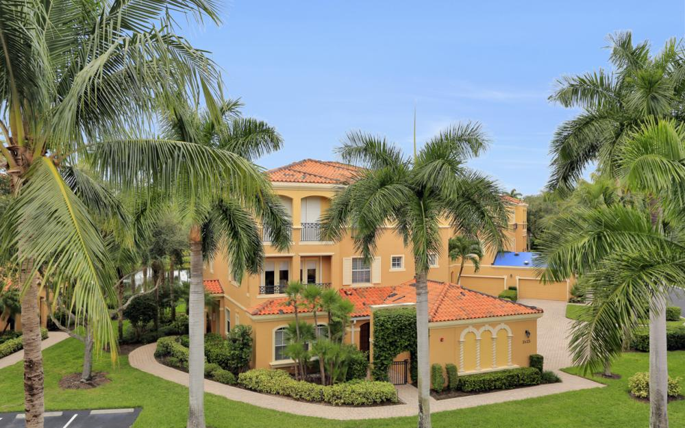 2638 Bolero DR Unit 4-3, Naples - Condo For Sale 934050279