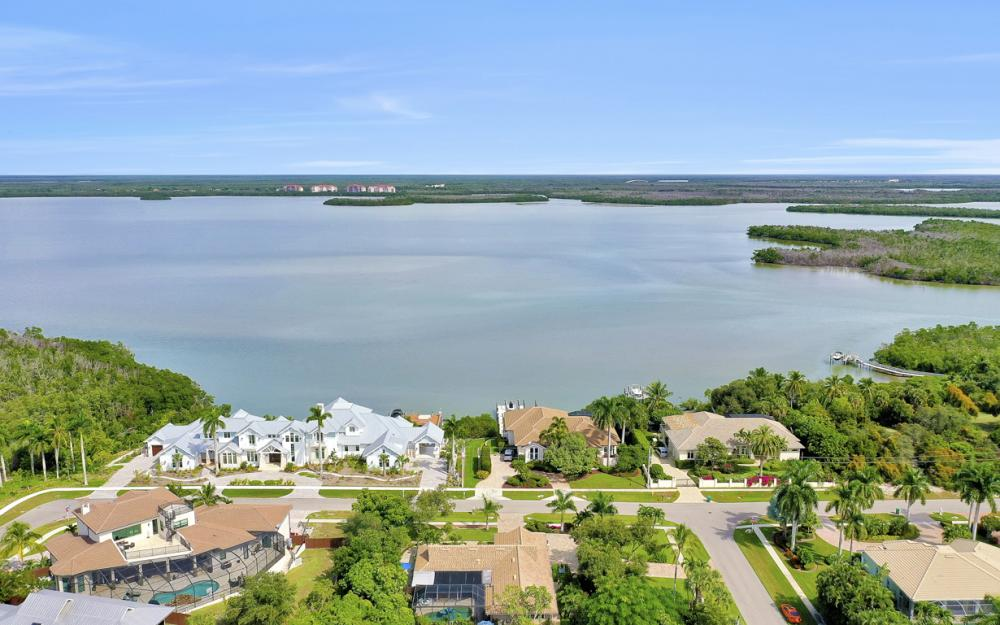 798 Caxambas Dr, Marco Island - Home For Sale 556887811