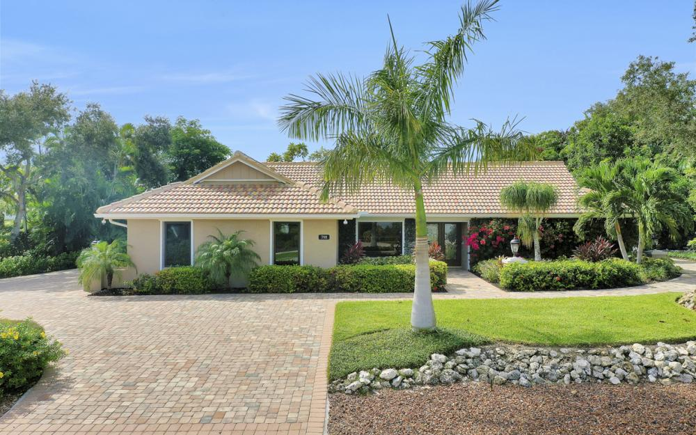 798 Caxambas Dr, Marco Island - Home For Sale 98114934