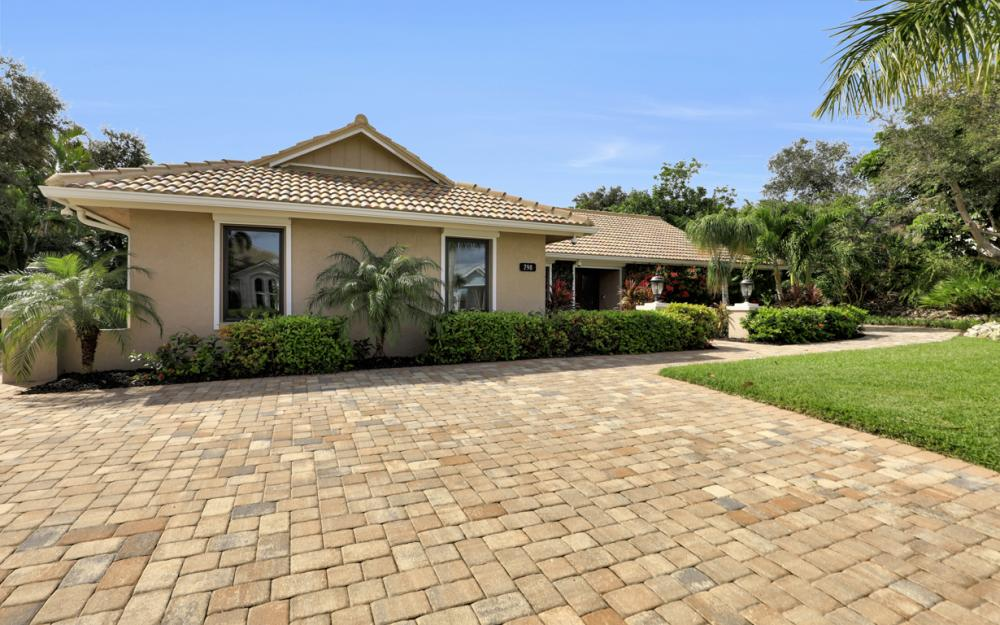798 Caxambas Dr, Marco Island - Home For Sale 2026255834