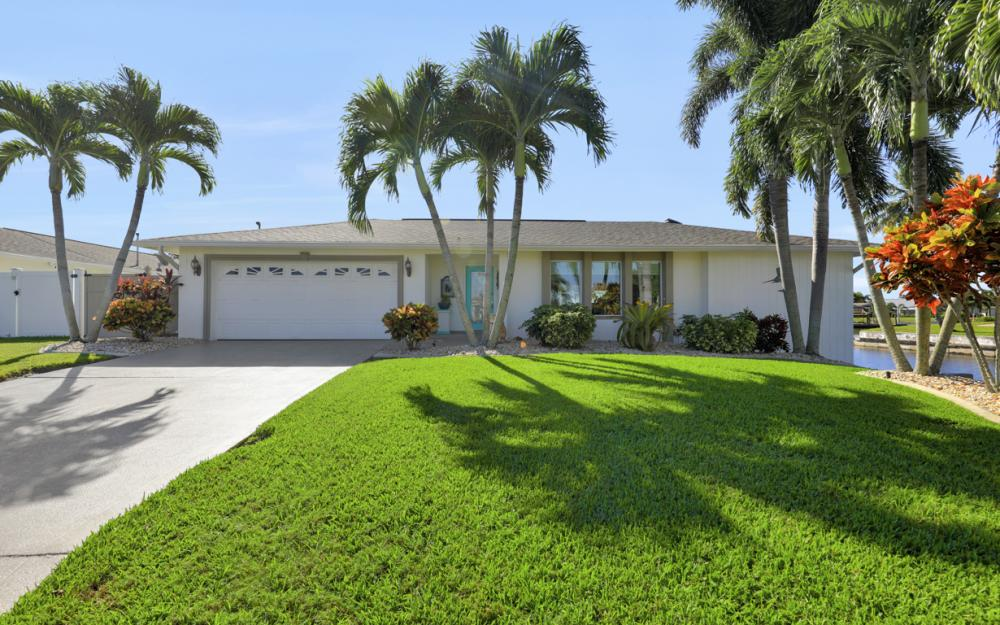 1002 SE 43rd St, Cape Coral - Vacation Rental 47531128