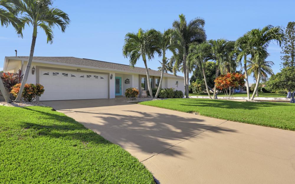 1002 SE 43rd St, Cape Coral - Vacation Rental 720994033