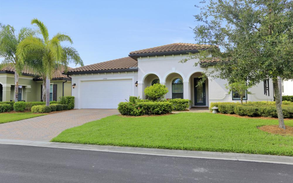 12708 Astor Pl, Fort Myers - Home For Sale 78129768