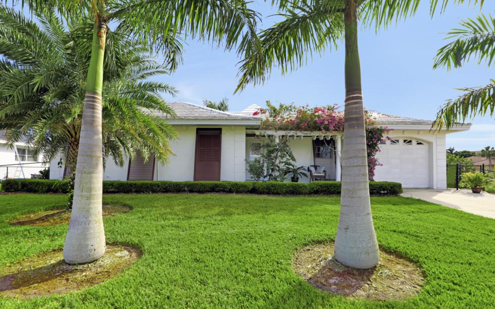 805 Saturn Ct, Marco Island - Vacation Rental 2044530925