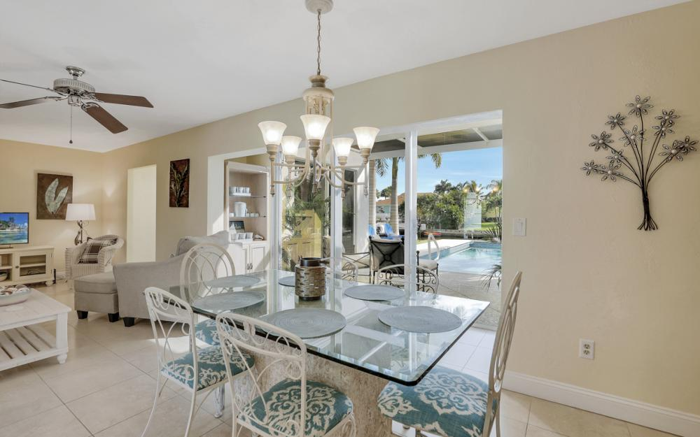 805 Saturn Ct, Marco Island - Vacation Rental 804970006