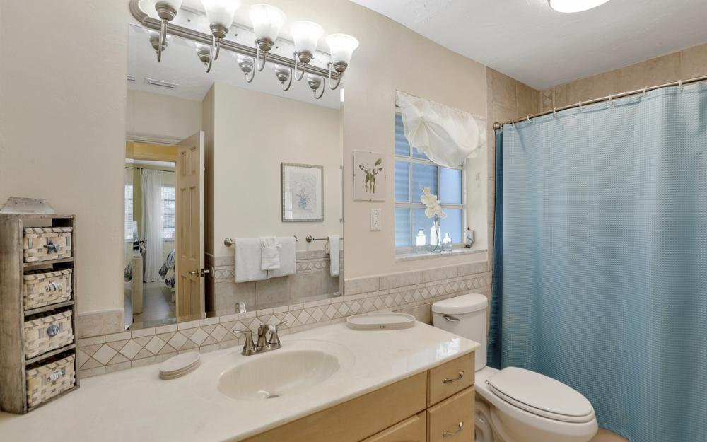 805 Saturn Ct, Marco Island - Vacation Rental 442400683