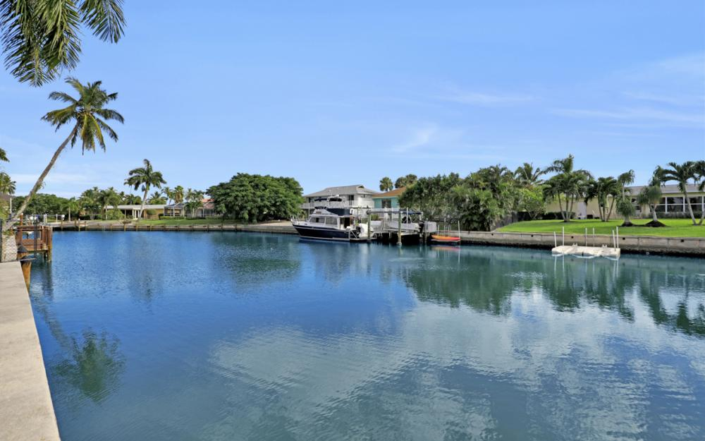 805 Saturn Ct, Marco Island - Vacation Rental 1960992062