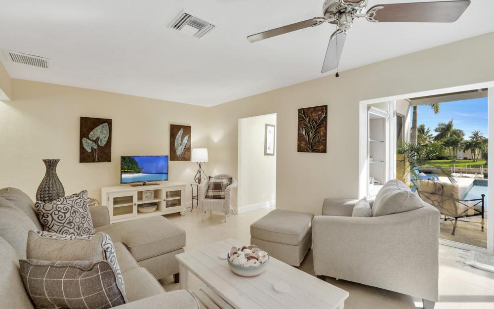 805 Saturn Ct, Marco Island - Vacation Rental 955416112
