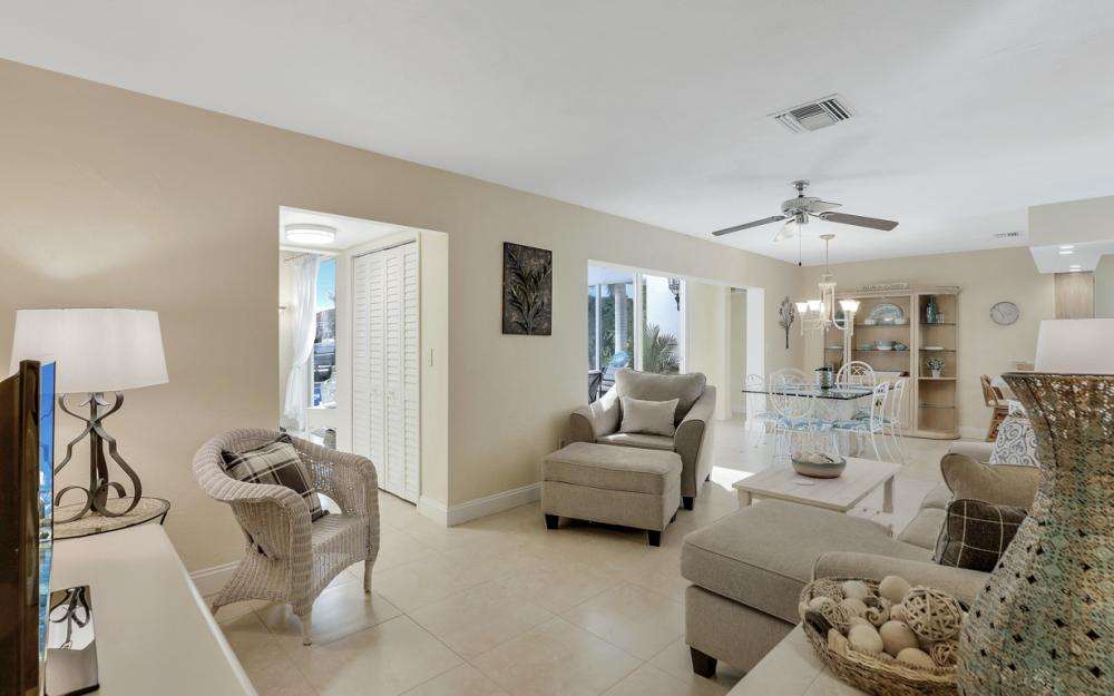 805 Saturn Ct, Marco Island - Vacation Rental 331225381