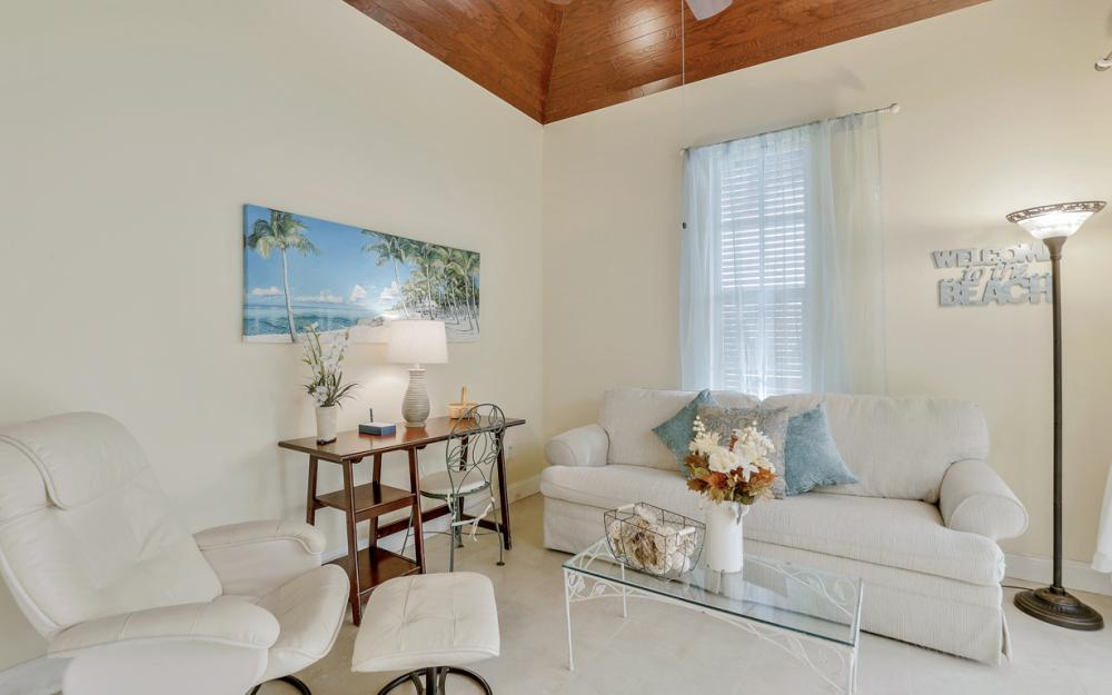 805 Saturn Ct, Marco Island - Vacation Rental 234248488
